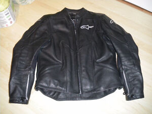 Women's Fully Armored Leather Motorcycle Jacket- Size 10/44