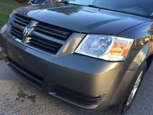 Dodge caravan 2010 7 places