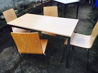 Free delivery 🎅 table and 4 chairs