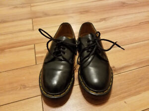 Doc Martens/Dr. Marten's Made in England Leather Shoes  sz 7.5