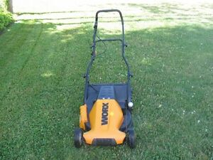 WORX ELECTRIC LAWN  MOWER..EXCELLENT CONDITION!