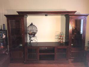 WALL UNIT/COUCH SET