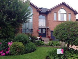 4Br Detached house in Yonge/Steeles 旺市独立屋出租