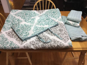 Daybed/Twin bedding set, new price!