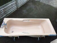 bath and taps - 1700 x 700 FREE