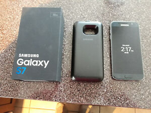 Samsung s7  32gb with samsung battery pac