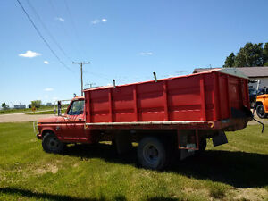 1975 Ford One Ton Grain Truck
