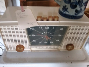 Vintage radios, nostalgia tins, bottles, antiques + 1000 booths