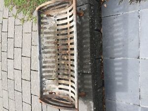 fire pit / fireplace log grate