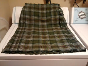 Women's Scottish Kilt and Vest - Moffat Weavers / Scotland