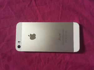 IPhone 5s white/silver 16 gbs UNLOCKED