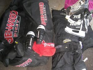 Hockey bag and Child protect gear For Sale