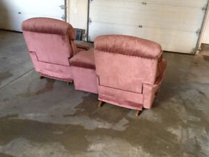 Lazy Boy Full Reclining Love Seat with Center Console Kitchener / Waterloo Kitchener Area image 2