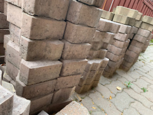 Free Interlocking Bricks