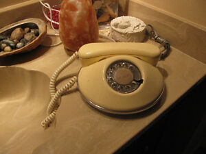 "Northern Telecom ""Dawn Pancake"" Rotary Dial Phone 1970'S"
