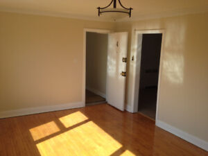 Beautiful Spacious Two Bedroom Apartment avail Oct 1