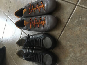 Men's size 43 Hugo boss all leather men's shoes.