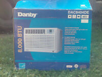 8,00BTU Danby Climatiseur/8,00BTU Danby Air Conditioner
