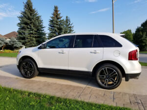 2013 Ford Edge c/w Winter Tires included in price