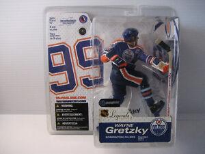 7 Mcfarlane NHL figures, new in the packages