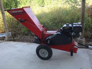 Tomahawk Pro 13 Hp Wood Chipper