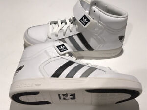 -ADIDAS VARIAL MID BRAND NEW SIZE 9.OBO.