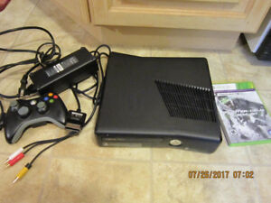 XBOX 360 S (Model 1439) Console Bundle Tomclancy's splinter cell