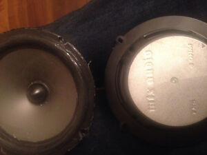 "Two MTX audio TX6 4 ohm 90 watts 6.5"" speckers."