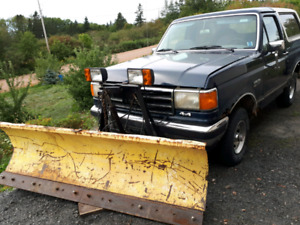 1991 Ford bronco xlt with plow