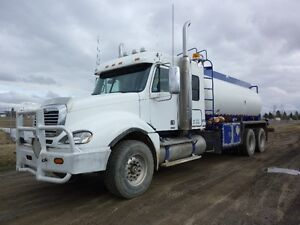 2007 FREIGHLINER TANK TRUCK AT www.knullent.com