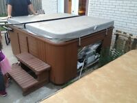 Hydrpool 575 Self ckwaning model Hot Tub in great condition