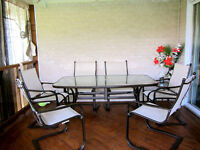 Ensemble de table pour patio, 6 chaises