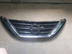 Nissan Altima 2015 2016 2017 Grille