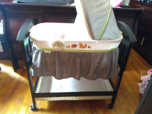 Summer infant bassinet