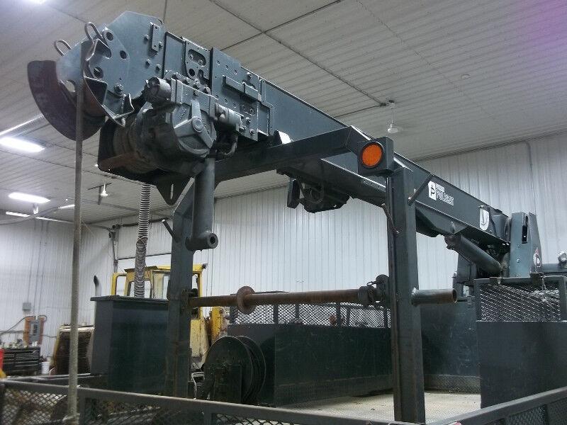 47' Pitman PoleCat boom crane with derrick digger - service body