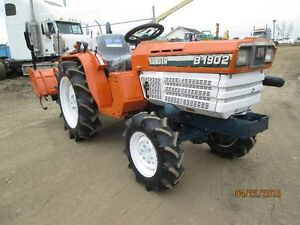 4X4 KUBOTA TRACTOR  B1902 DT  W  ROTOR TILLER  3 POINT HITCH