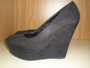 LADIES SIZE 10 SHOES   10.00 EACH PAIR Kitchener / Waterloo Kitchener Area image 2