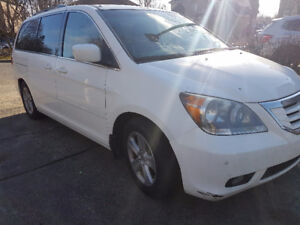 2008 Honda Odyssey Touring Minivan, Van for sale by owner no tax