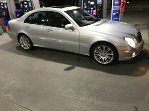 2009 Mercedes-Benz E-Class Clean car cerify Sedan