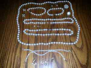 SMALL LOT OF PEARLS SOME VINTAGE (REAL?) $15.00 FOR ALL Windsor Region Ontario image 1