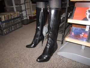 Ladies ALDO Boots Size 6 With A 4 Inch Heel