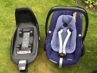 Maxi Cosi Pebble Plus Car seat & 2Wayfix ISOFIX Base (latest models) blue RRP £390