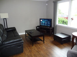 Fanshawe  3 bedrooms avail.in 5 bedroom house  All inclusive
