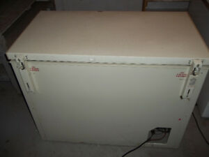 Chest Freezer (Not working)