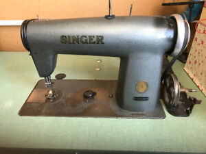 INDUSTIAL SINGER SEWING MACHINE 400w21 WITH TABLE