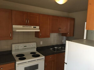 FREE INTERNET & CABLE TV w/ Balcony nearby SouthGate Mall
