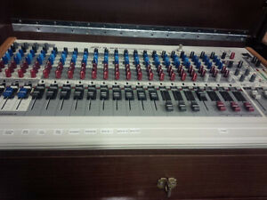 Peavey S-24 21 channel mixer