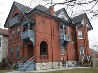 New, 1 Bed Apt Avail immediat. Clean, Quite, Fantastic Location!