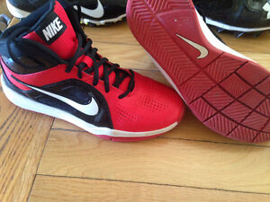 Nike basketball shoes size 5.5