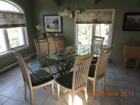 Dining Room Table,Chairs & Wall Unit Hutch